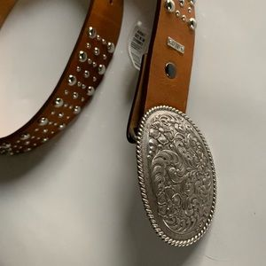 NWT | Ariat Studded Tan Leather Belt w/Oval Buckle